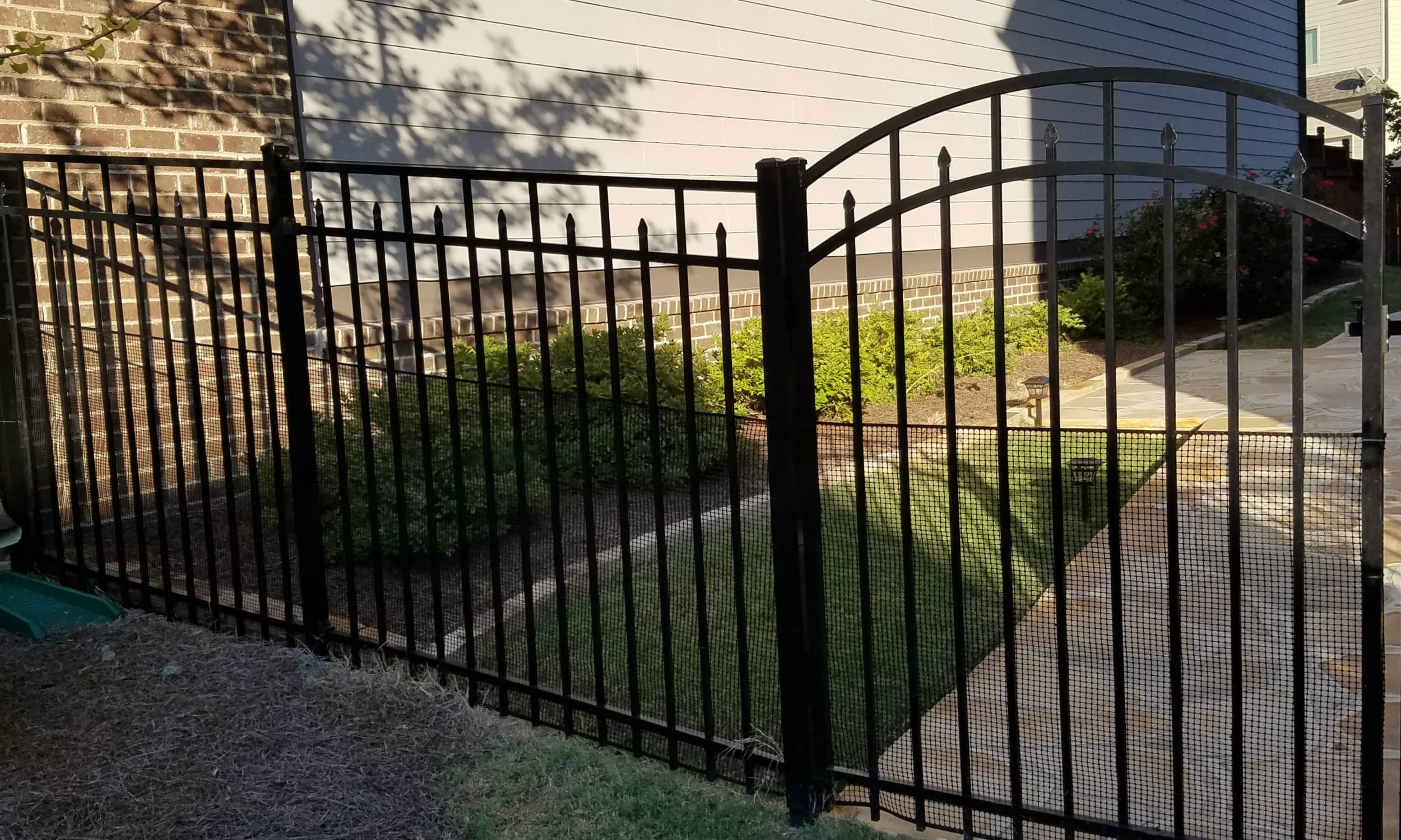 Spear Flat Top Aluminum Fence.jpg