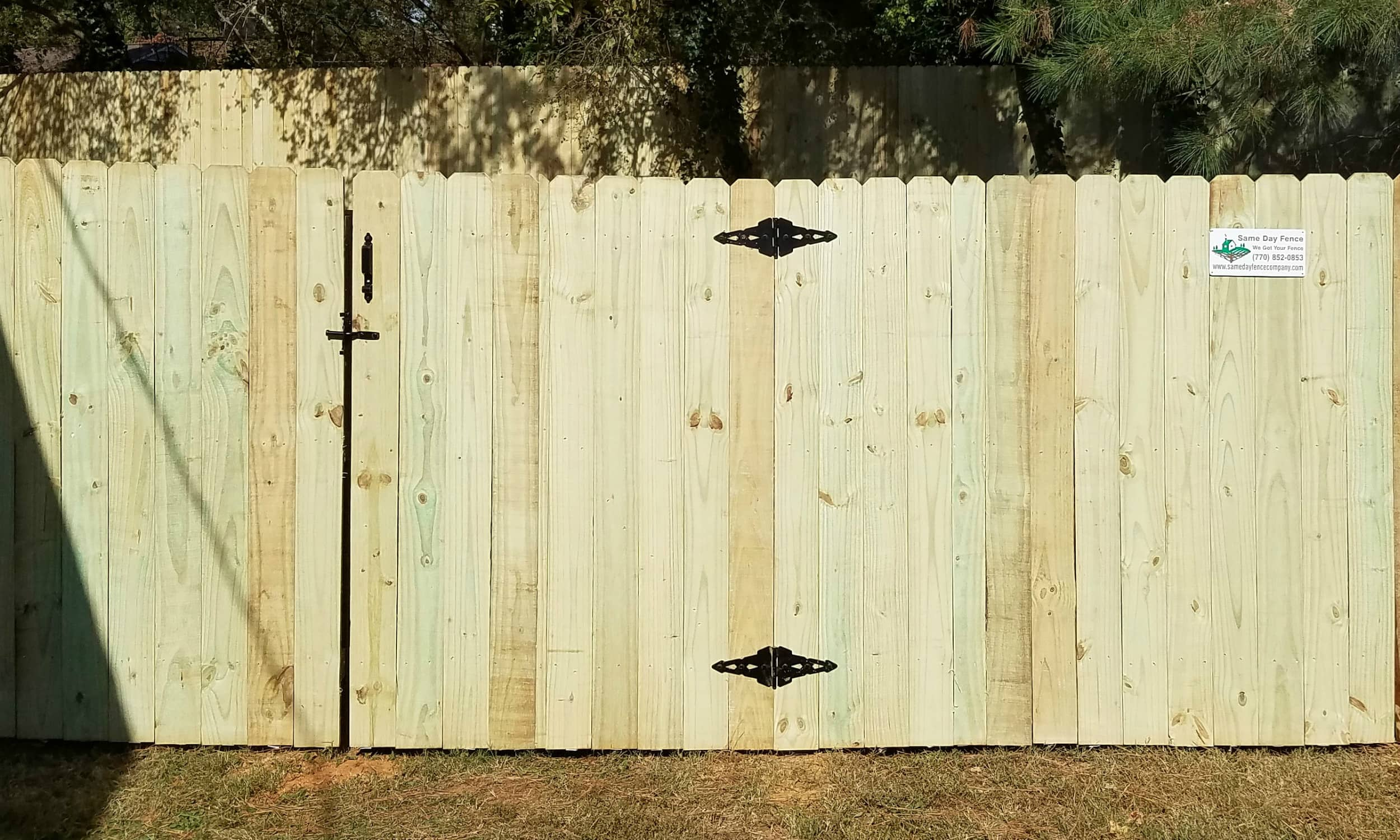 Straight Privacy Fence - Pine Wood - 6 Ft High.jpg