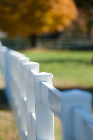 Benefits of Opting for a Vinyl Fence